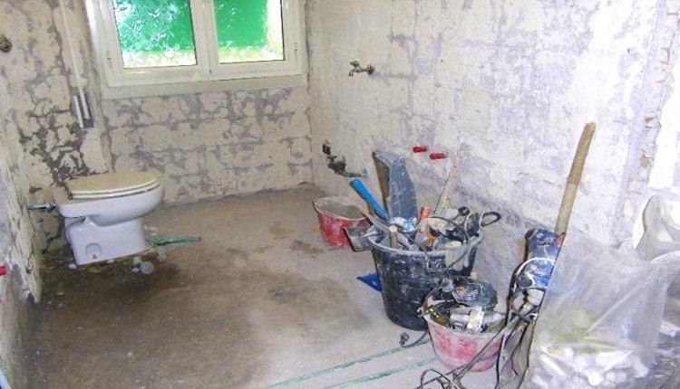 Demolizione vecchio bagno