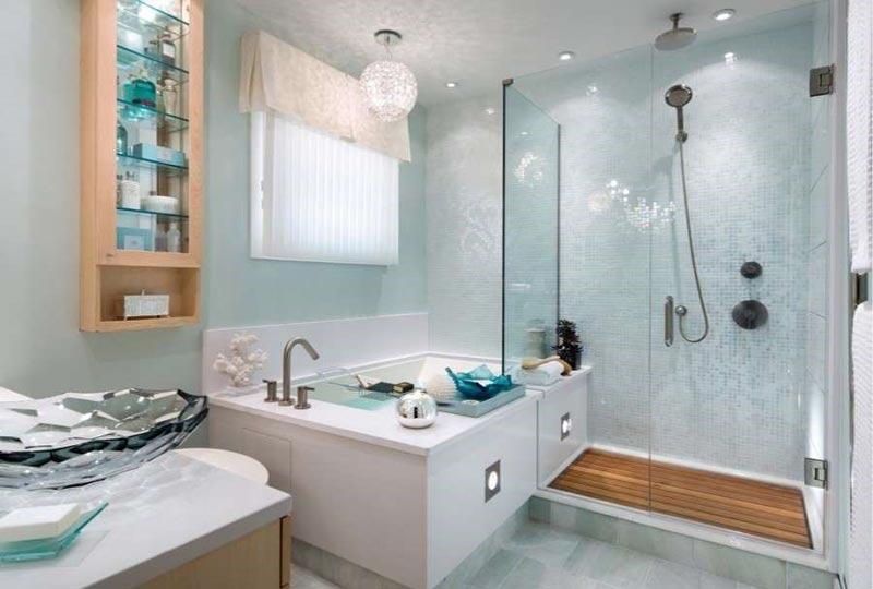 Bagno con vasca e doccia foto 1