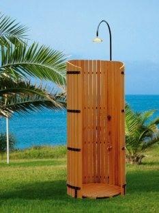 Cabina doccia da esterno in legno
