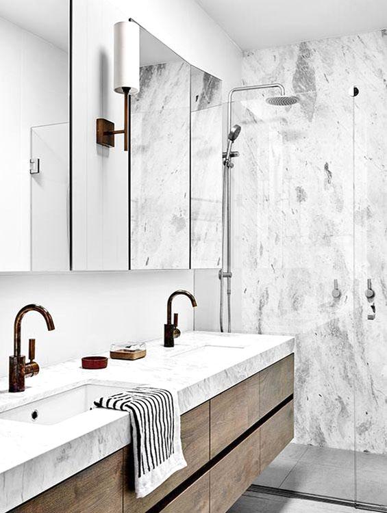 Lavabo bagno rivestito in marmo