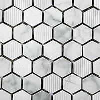 esempio piastrelle in pietra naturale e vetro in stile mosaico
