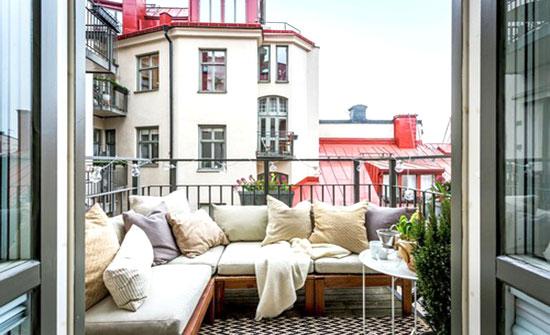 balconcino arredato ristrutturato