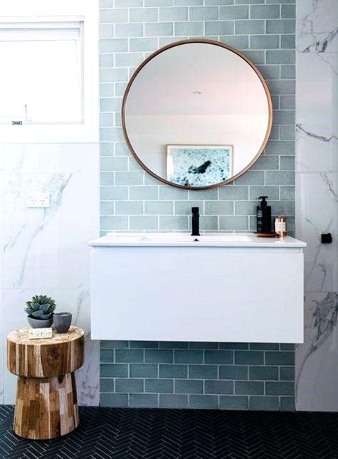 marmo e ceramica per il rivestimento del bagno
