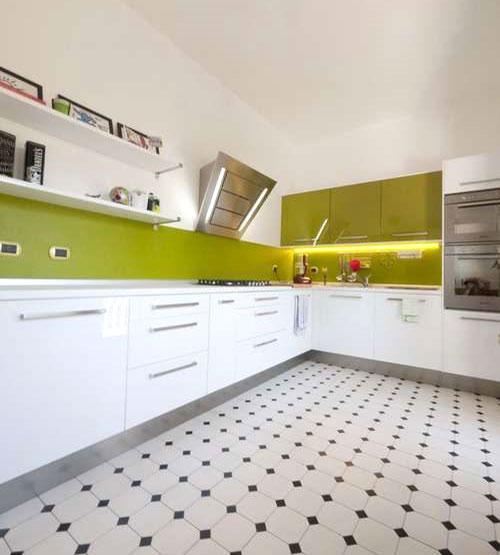 pavimento anni 70 in cucina