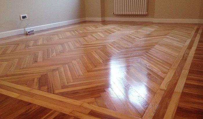 pavimento in legno casa anni 70