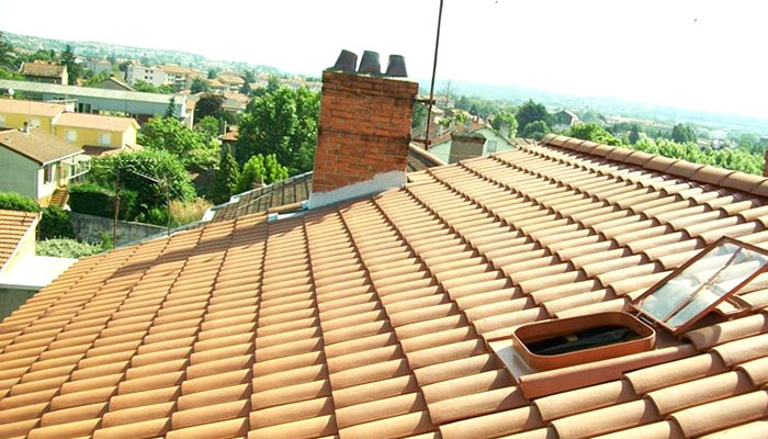 esempio di tetto con copertura discontinua